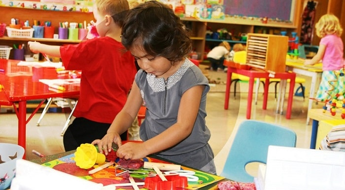 How to get daycare license in Dubai