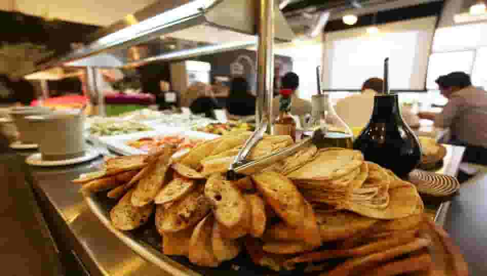 How to start a food business in Dubai